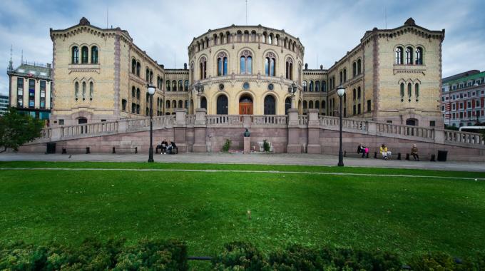 Norges kvinnelobbys høringssvar om lavtelskertilbud for å håndheve lovforbud mot seksuell trakassering